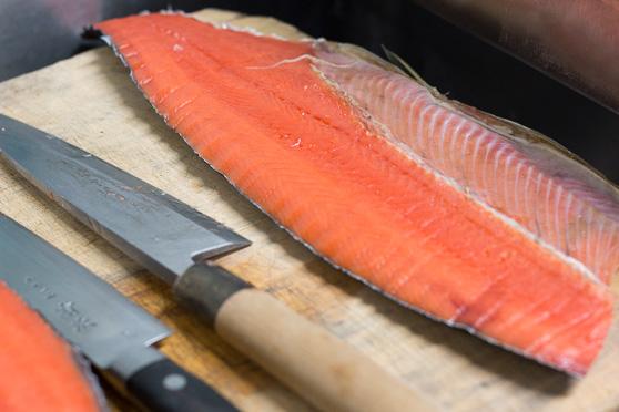 〆たロシア産紅鮭